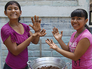 SolucionES and Citi Bank provide opportunities for young girls
