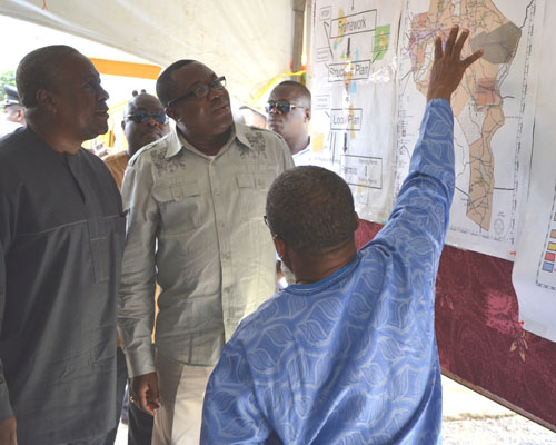 Ghanaian Vice President John Dramani Mahama presents the new national policy on naming streets and addressing property, April 28