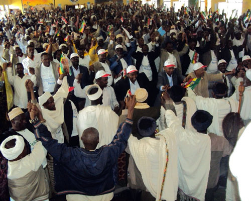 Members of rival clans from Ethiopia's Somali region celebrate the landmark Negele Peace Accord, which USAID and Mercy Corps hel