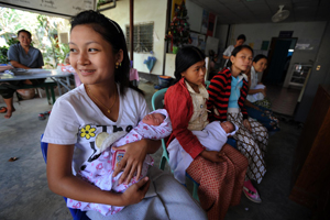 The clinic provides free primary healthcare services on the Thai-Burma border and mobile clinics serving more than 17,000 Intern