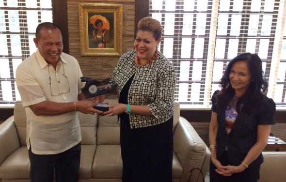 USAID Acting AA Rollins together with Mission Director Steele were welcomed by Cagayan de Oro City Mayor Oscar Moreno.