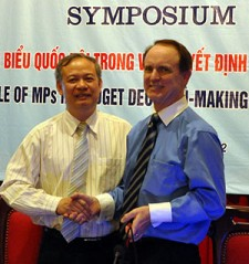 Dr. Dinh Xuan Thao, President of the National Assembly ILS, and USAID Director Francis Donovan.