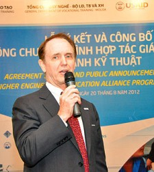 USAID Vietnam Mission Director Francis Donovan addresses the HEEAP expansion event.