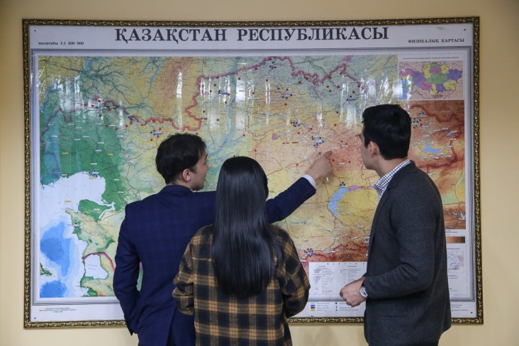 Staff at the Department of Hydrology at Kazhydromet discuss flood-prone areas in Kazakhstan