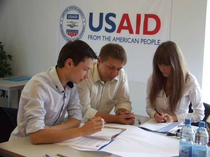 USAID supports Business EdgeTM trainings that strengthen the management skills of small and medium enterprises.