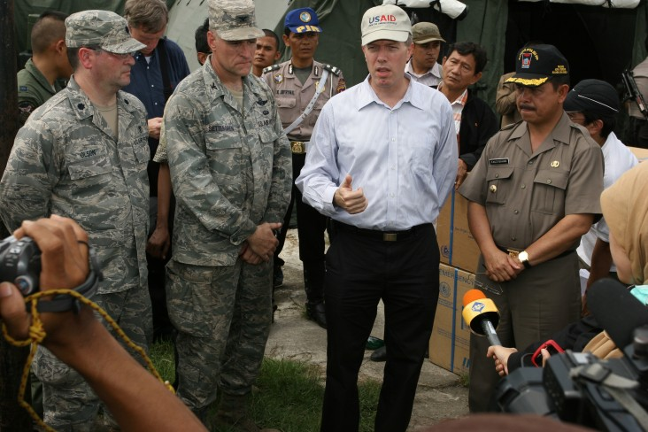 Press Conference at U.S. Military Mobile Field Hospital in Padang, Indoensia