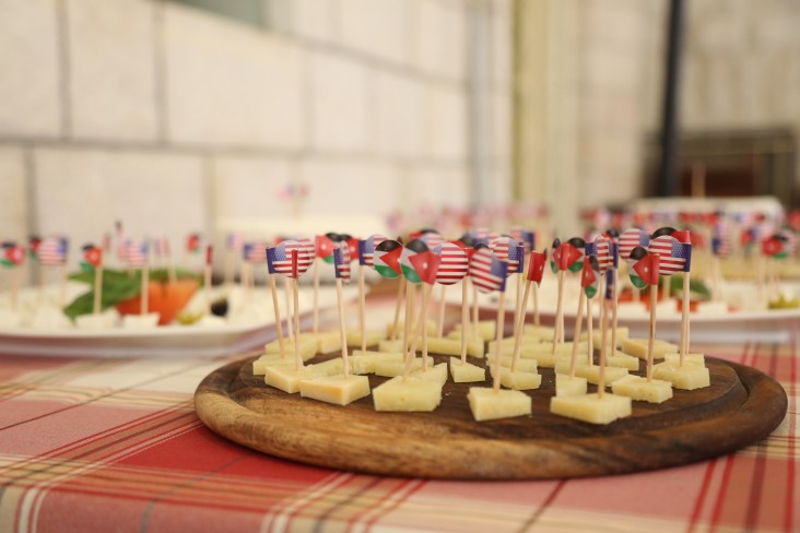 Cheese with US/Jordan Flags