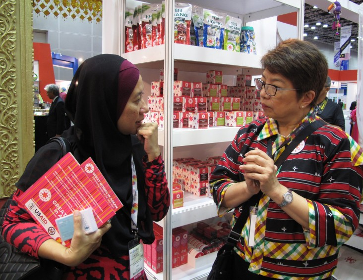 Women entrepreneurs showcase the GREAT Women in ASEAN products at the ASEAN SME Showcase and Conference 2015 in Kuala Lumpur.