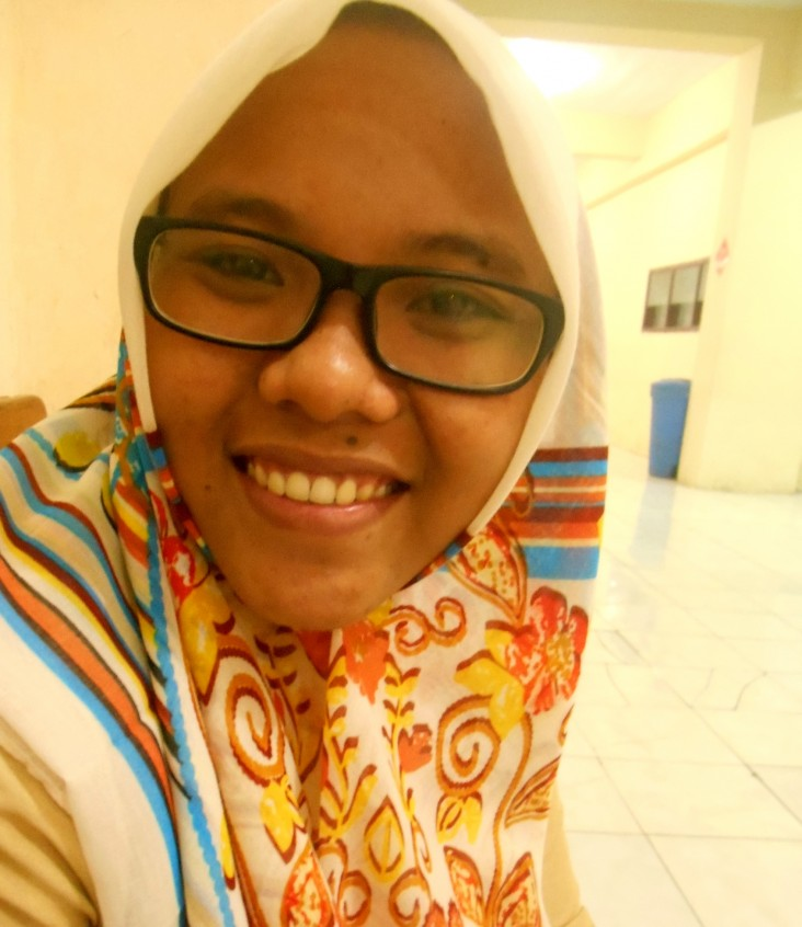 Anis Faridah, Dorm D student manager, Ngalah school alumna and undergraduate student