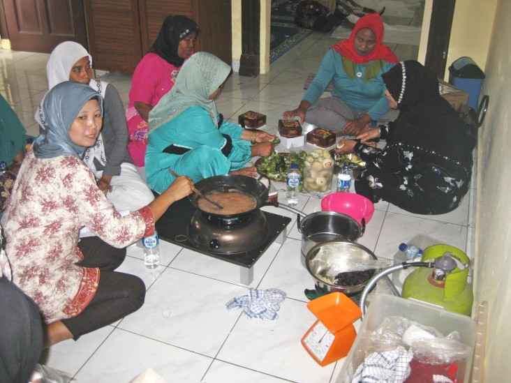 Hamidah's group makes cookies, crackers and snacks using ingredients from mangrove fruits and leaves.