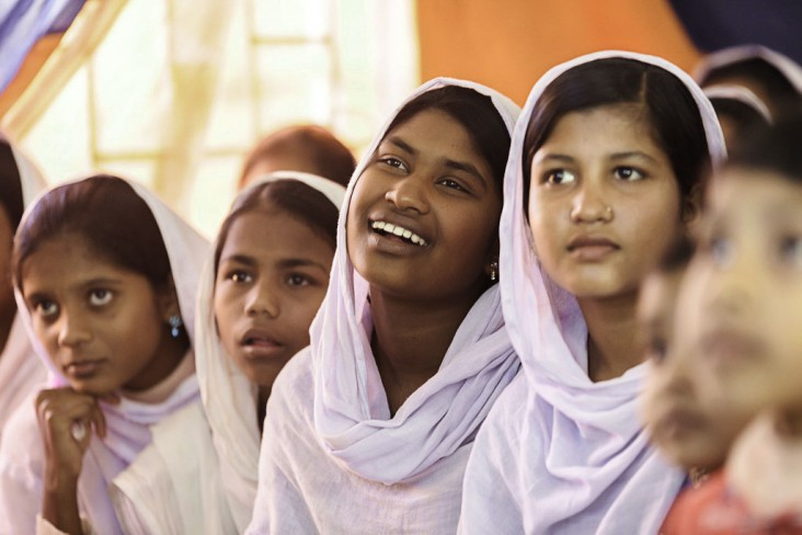 High school students​ in Bangladesh​ ​watch a​ film screening of I Was Worth 50 Sheep