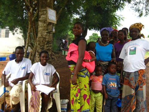 Conflict-affected families receiving assistance from relief organizations in Côte d'Ivoire.