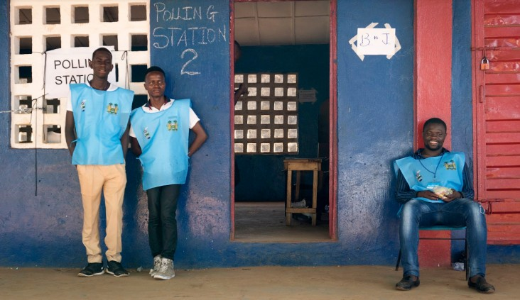 Poll workers in Sierra Leone. /Carol Sahley, USAID