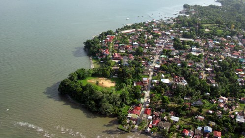 Heavily populated urban areas put pressure on already overburdened water resources off the Gulf of Honduras.