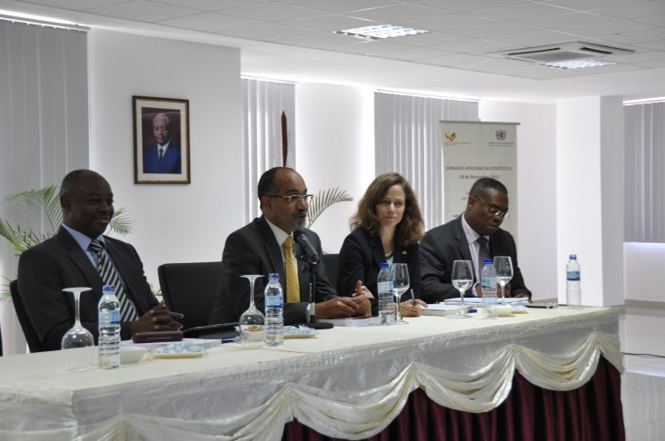 Photo of the representatives of Mozambique's National Institute of Statistics, Ministry of Health and USAID.