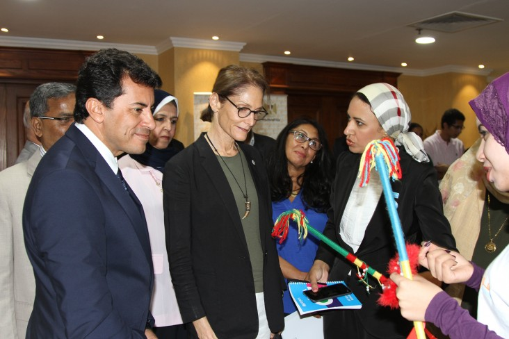 Mission Director Sherry F. Carlin and Minister of Youth and Sports Dr Ashraf Sobhy meet a young women that participates in the Meshwary project.