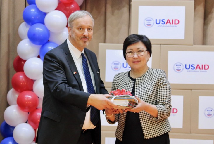 This donation is the first of a total of 1.2 million books that USAID plans to print and distribute in Kyrgyzstan by 2020 under the Time to Read program.