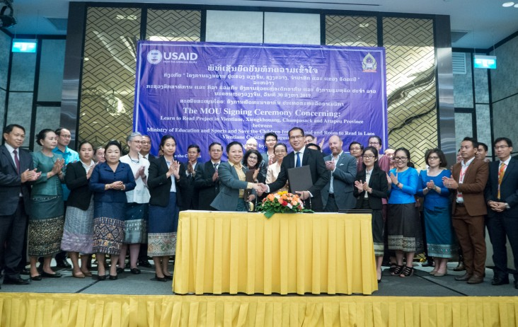 From center left to right: Room to Read Country Director Norkham Souphanouvong, U.S. Ambassador to the Lao PDR Rena Bitter, Minister of Education and Sports Sengdeuane Lachanthaboune, and Deputy Director General of the External Relations Mr. Phouvanh Vongsouthi officially launched the Learn to Read project.