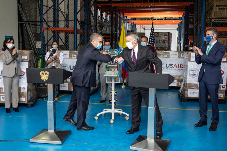 Colombian President and U.S. Ambassador Phil S. Goldberg at ventilator donation ceremony