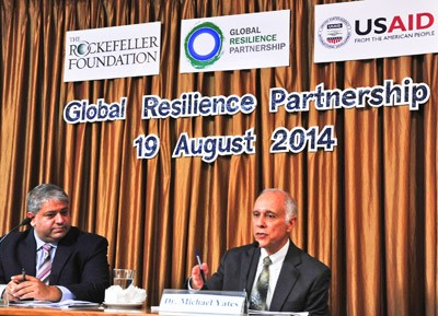 Michael Yates (right), Director of the USAID Regional Development Mission for Asia and Ashvin Dayal (left), Associate Vice Presi
