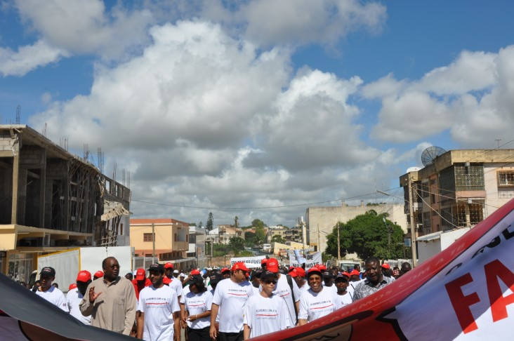 On World Tuberculosis Day various people joined the Nampula (Mozambique) Hospital staff on a joyful march.