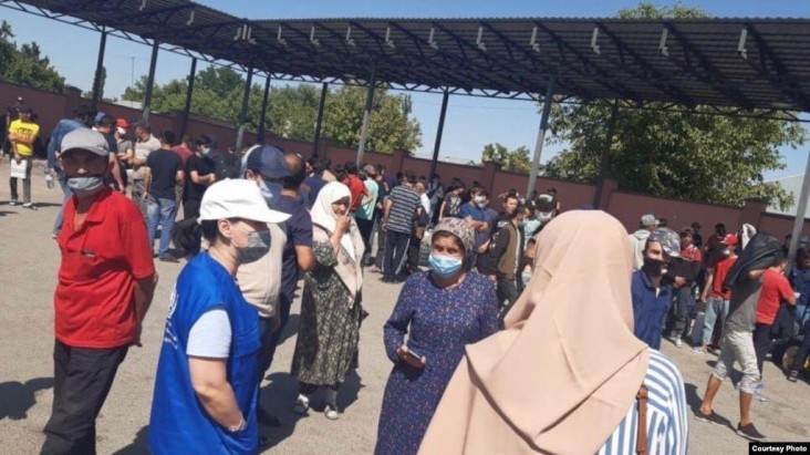 The U.S. Government and IOM Support more than 600 Stranded Tajik Migrants Return Home from Kazakhstan