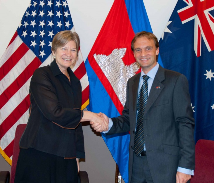 USAID and AusAID sign Memorandum of Collaboration in Cambodia