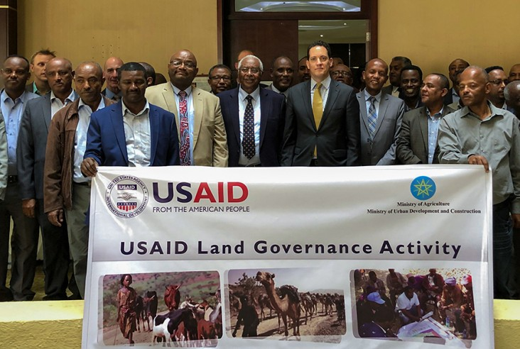Image of USAID Ethiopia Mission Director Sean Jones launching Land Governance Activity