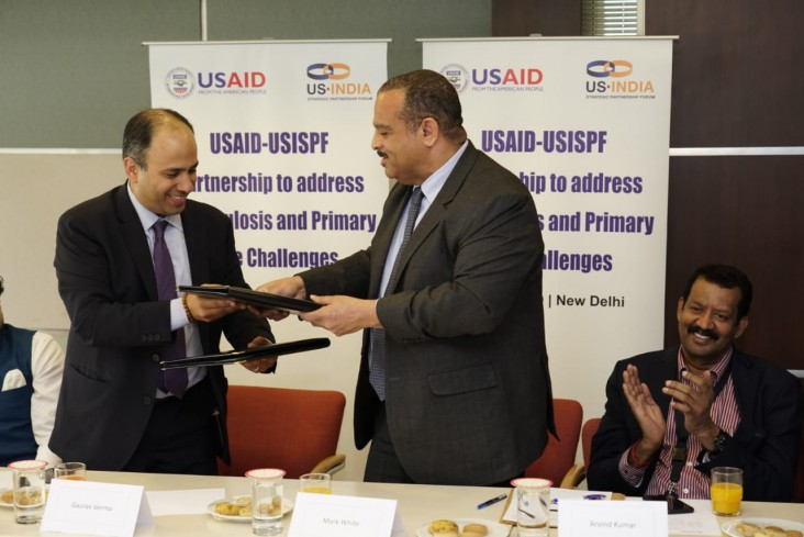 USAID/India Mission Director Mark Anthony White and Gaurav Varma, Chief Operating Officer, of USISPF, signing the MOU