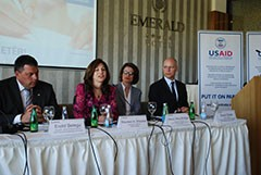 USAID/Kosovo Mission Director Maureen A. Shauket explains the importance of using written contracts in business deals.