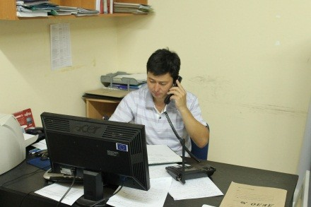 USAID-supported hotlines allow vulnerable populations to seek free legal aid .