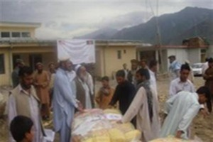 Community leaders distributed bedding to refugee families now living in Kunar Province's Sholtan Valley.