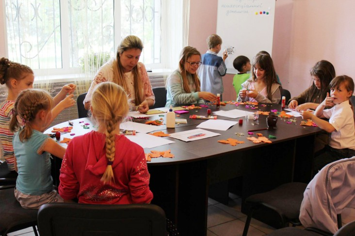 Psychologists utilize a variety of techniques to help kids overcome their fears.