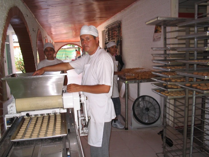 Dwilliam Norberto Toloza, a commercial baker, at work