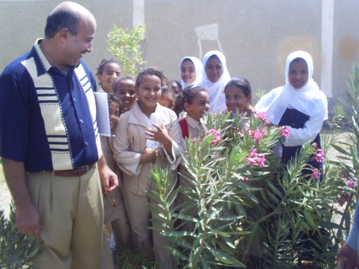 Environment Club members at the El Shalateen Preparatory and Secondary School and Mohamed Husieny, of the Red Sea Governorate's
