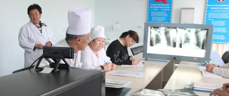 Staff from the Kara-Balta TB Hospital consult with staff from the National TB Center in Bishkek via video conference.