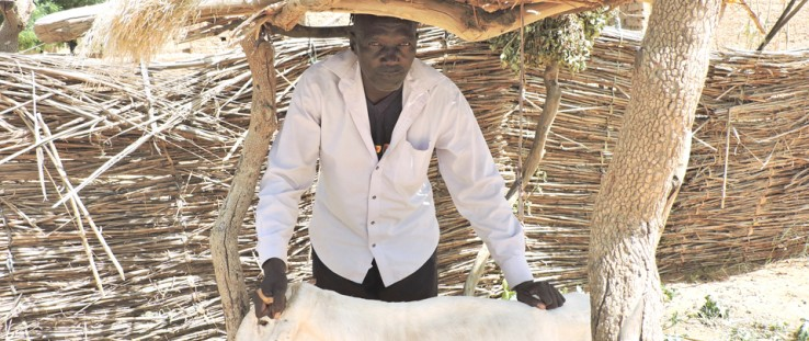 Farmers in Niger are organizing to get loans, like Oumarou Karbassi, whose group received an animal fattening loan.