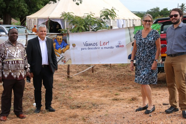 Vamos Ler and USAID Team in Zambezia Province