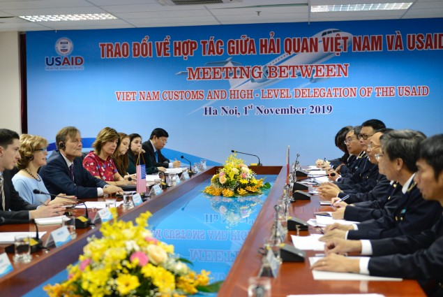 Deputy Administrator Glick and General Department of Vietnam Customs (GDVC) Director-General Nguyen Van Can held discussions in Hanoi on U.S.-Vietnam cooperation on trade facilitation followed by a visit to Air Cargo Terminal of Noi Bai Airport to observe GDVC interdiction efforts on illegal transshipment.