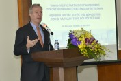 U.S. Ambassador Ted Osius speaks at a workshop on TPP opportunities and challenges for Vietnam.