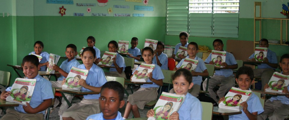 USAID, Ministry of Education, partners work to improve the quality of reading, writing, and mathematics in Dominican public scho