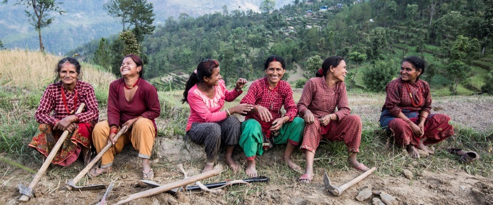 Image of Nepali women rebuilding community infrastructure