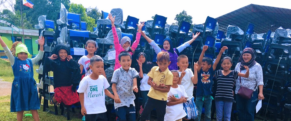 New Desks for Displaced Students from Marawi