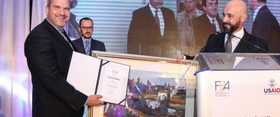 USAID receives award from Banking Agency of the Federation of Bosnia and Herzegovina for support to banking sector