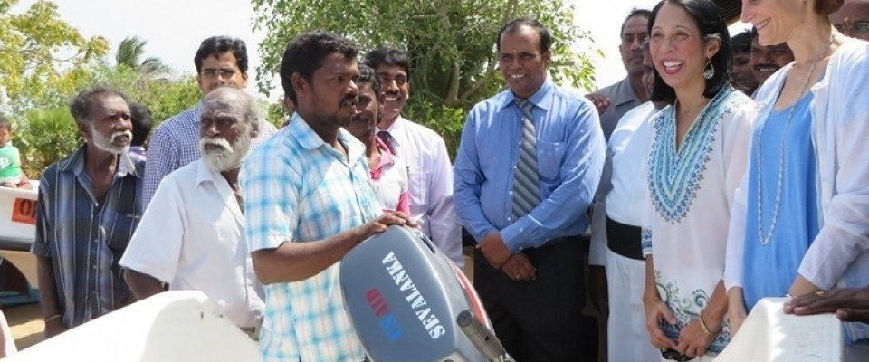 Handing over boats and engines to northern fishermen to restart their livelihoods after the conflict