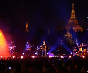 Jason Mraz takes the stage in Rangoon with the iconic Shwedagon Pagoda as a backdrop.