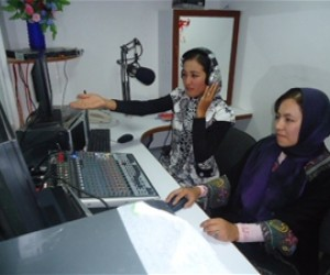 Journalists from Kabul visited the radio station and interviewed presenters and technical staff working for Paywand Radio.