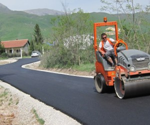 New Roads Connect Communities in Kosovo