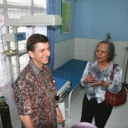 Andrew Sisson of the U.S. Global Development Lab visits the Deli Serdang District Public Hospital.
