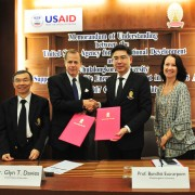 U.S. Ambassador to Thailand Glyn T. Davies attends a memorandum of understanding signing between USAID and Chulalongkorn University to collaborate on renewable energy planning and policy development in the Lower Mekong region.
